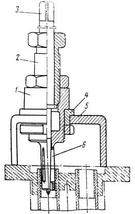 Фиг. 211. Вальцовка для трубок холодильника компрессора: 1 - корпус; 2 и 4 - втулки; 3 - стержень; 5 - упор; 6 - ролик